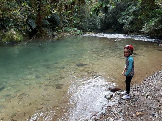 cachoeiras e trilhas do petar